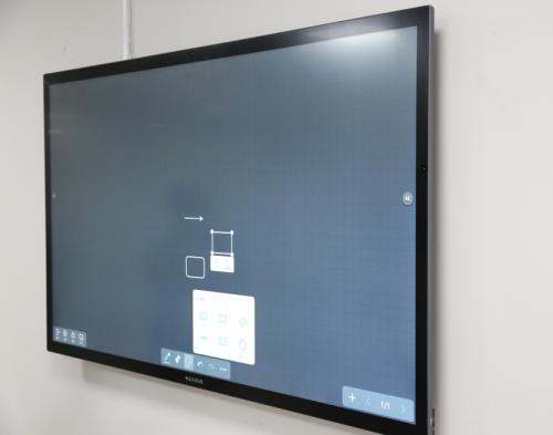 如何运用智能会议平板的无线传屏功能打开团队协作新模式