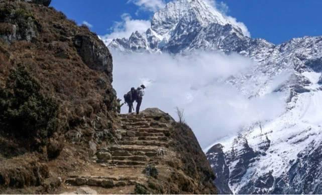 尼泊尔封国数百登山者被困喜马拉雅山 旅游局回应