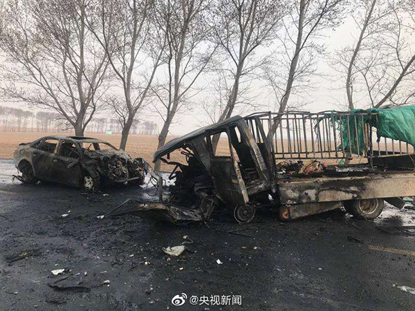 吉林乾安交通事故11死5伤:小车与他车剐蹭迎头撞上小货车