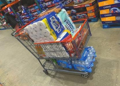思言一家也提前在超市和亚马逊购买了不少生活物资。