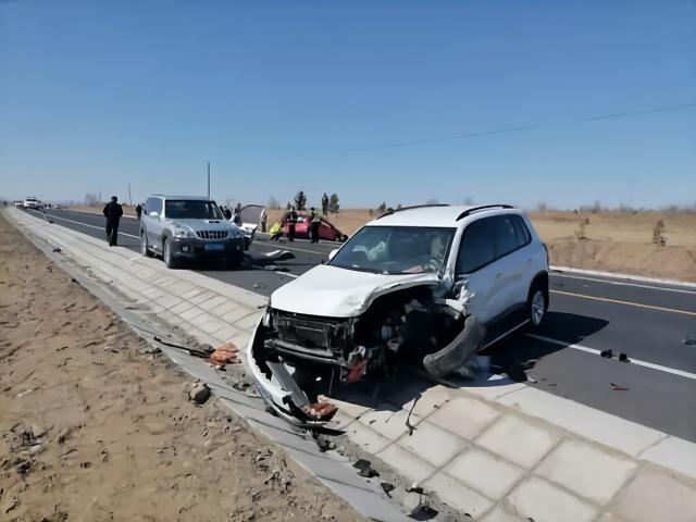 内蒙一官员酒后驾车致4人死亡,同车人为其顶包