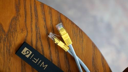 高清视频卡成PPT 华为路由AX3 Pro解决网络卡顿