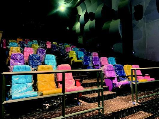 济南一家影城没有电影的136天:一线员工离职多半