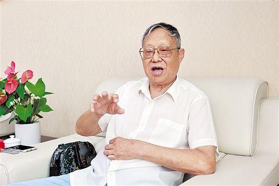 """专访谢晋元次子谢继民——""""八百壮士""""背后的故事"""