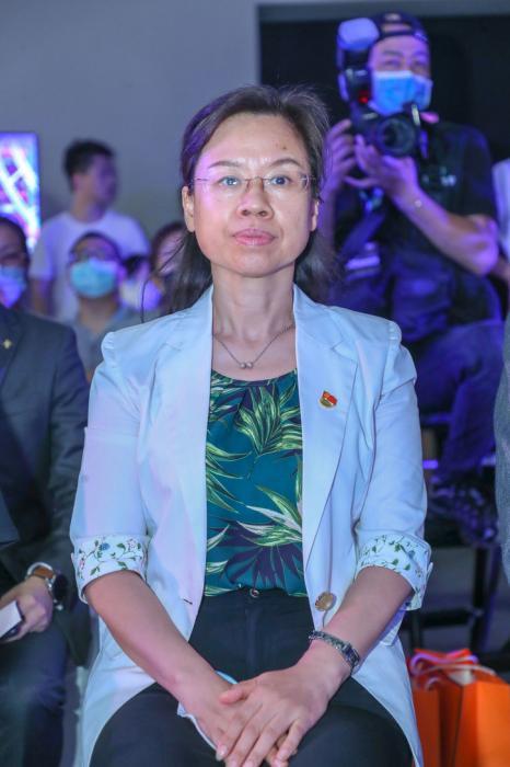 顺义区委常委、区委宣传部部长 贺亚兰