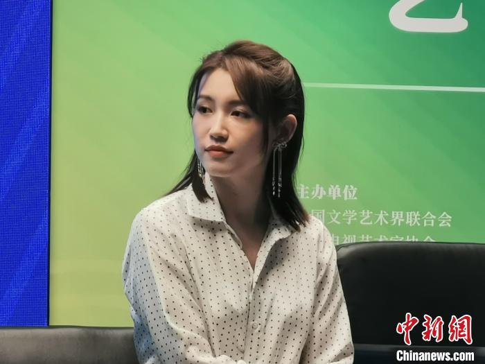 青年演员苏青。 何浠 摄