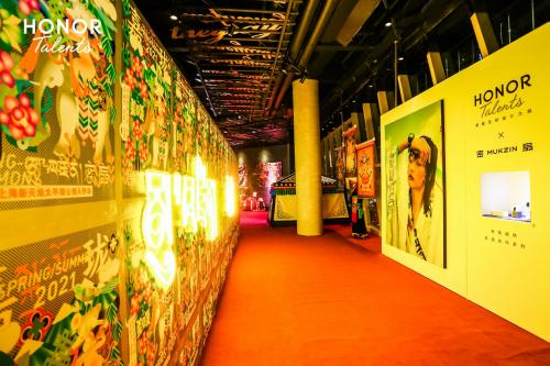 HONOR TALENTS荣耀全球设计大赛走红上海时装周