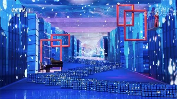 总导演甲丁:柔宇的全柔性屏重新定义了文艺演出的舞台呈现形式