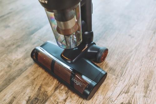 妈妈们担心尘螨危害,莱克立式吸尘器M12 MAX化身专业除螨仪
