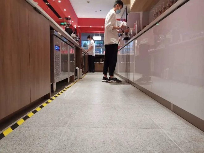 """45天、160平,新手老板装修出一家""""超吸睛""""的咖啡馆!"""