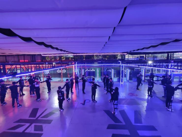 STEPVR实现超千平米空间40人动捕技术突破 加速VR行业规模化进程