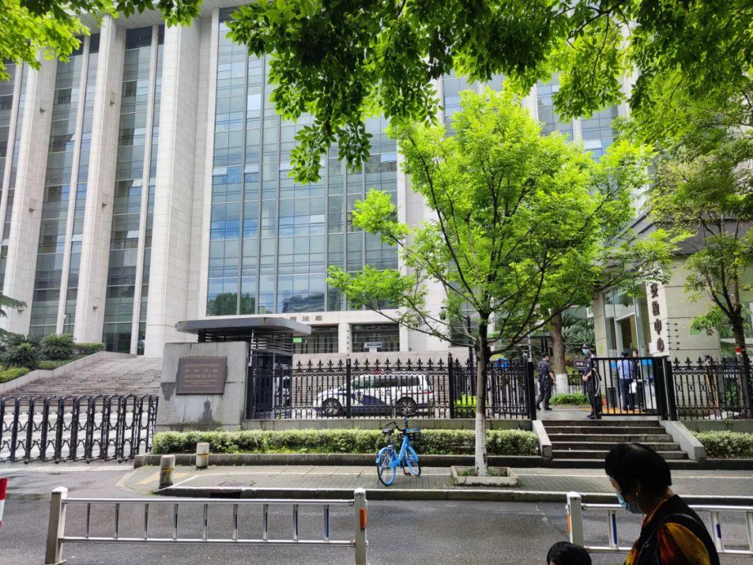 杭州杀妻案开庭:案发小区化粪池改为停车位,楼层安装监控