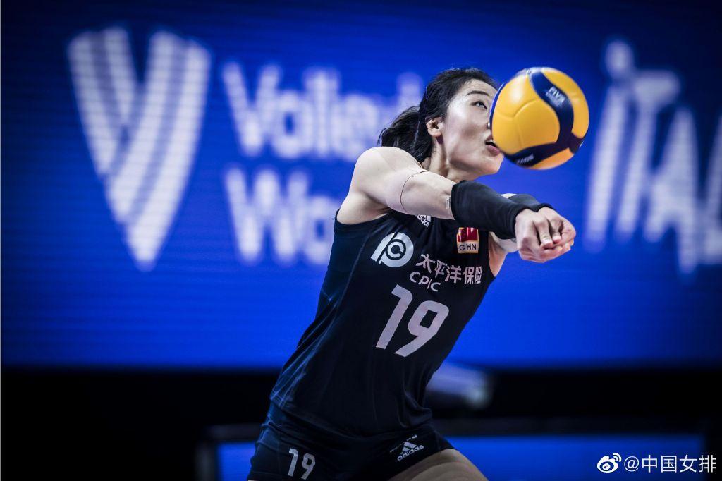 中国女排0-3不敌土耳其:郎平眼睛浮肿,争夺奖牌前景黯淡