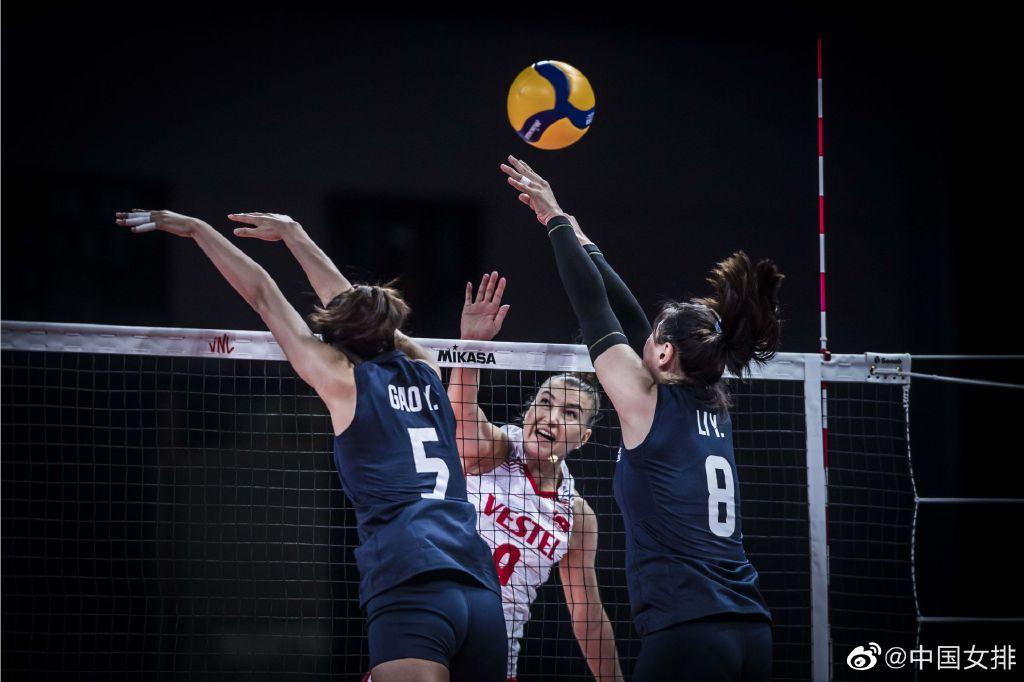 中国女排在比赛中拦网依旧不利。