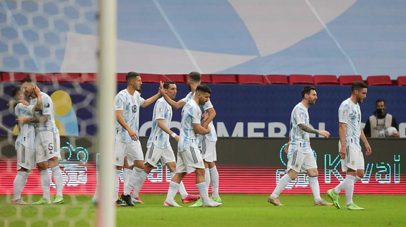 阿根廷1-0巴拉圭 两连胜稳居第一出线 梅西迎来里程碑